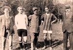 Da sinistra Olivo, Baldassini, Capello, Zappoli e Ciuti dirigenti, capitani e arbitro dell'incontro amichevole del 25 maggio terminato 6 a 1 per la squadra di casa. Da sottolineare che Il Bologna era largamente rimaneggiato